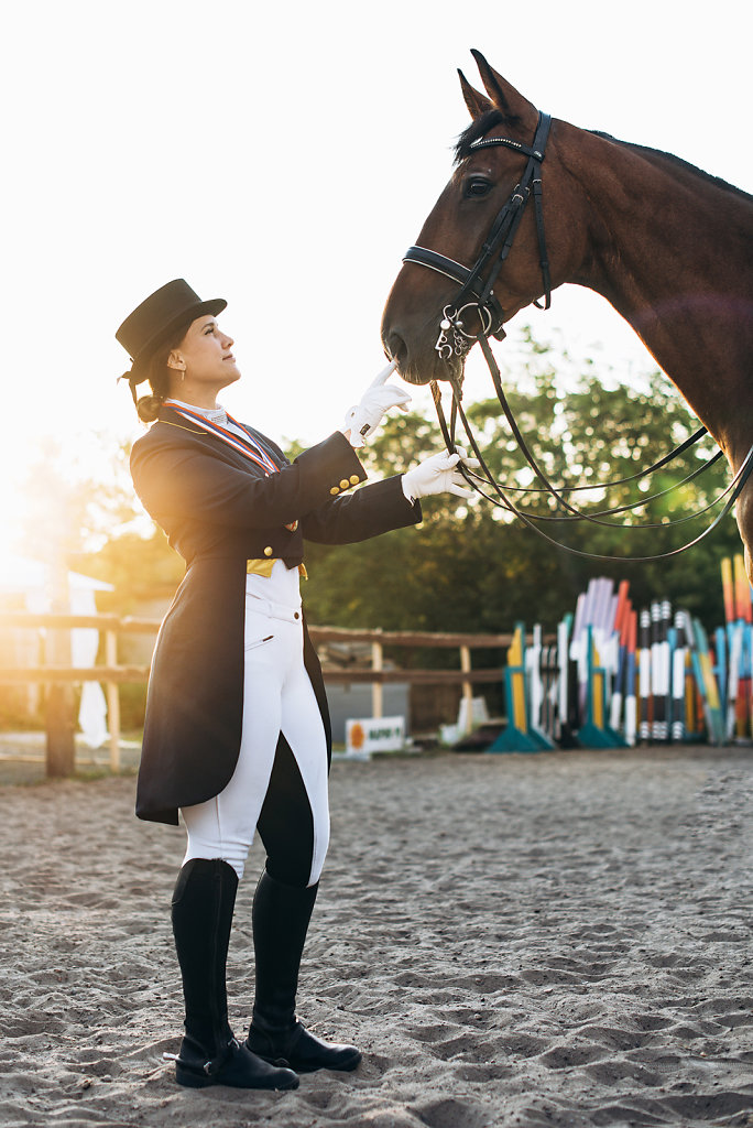 horsewoman-1.jpg